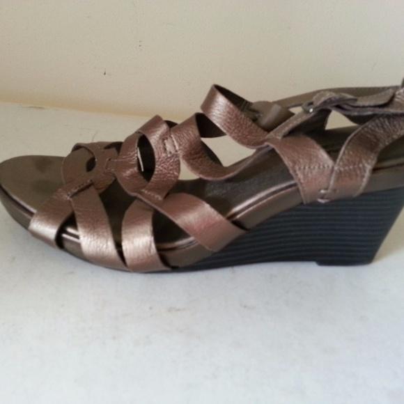 d2dcffa2c4ef1 Clarks Shoes - Clarks Bend bronze sandals